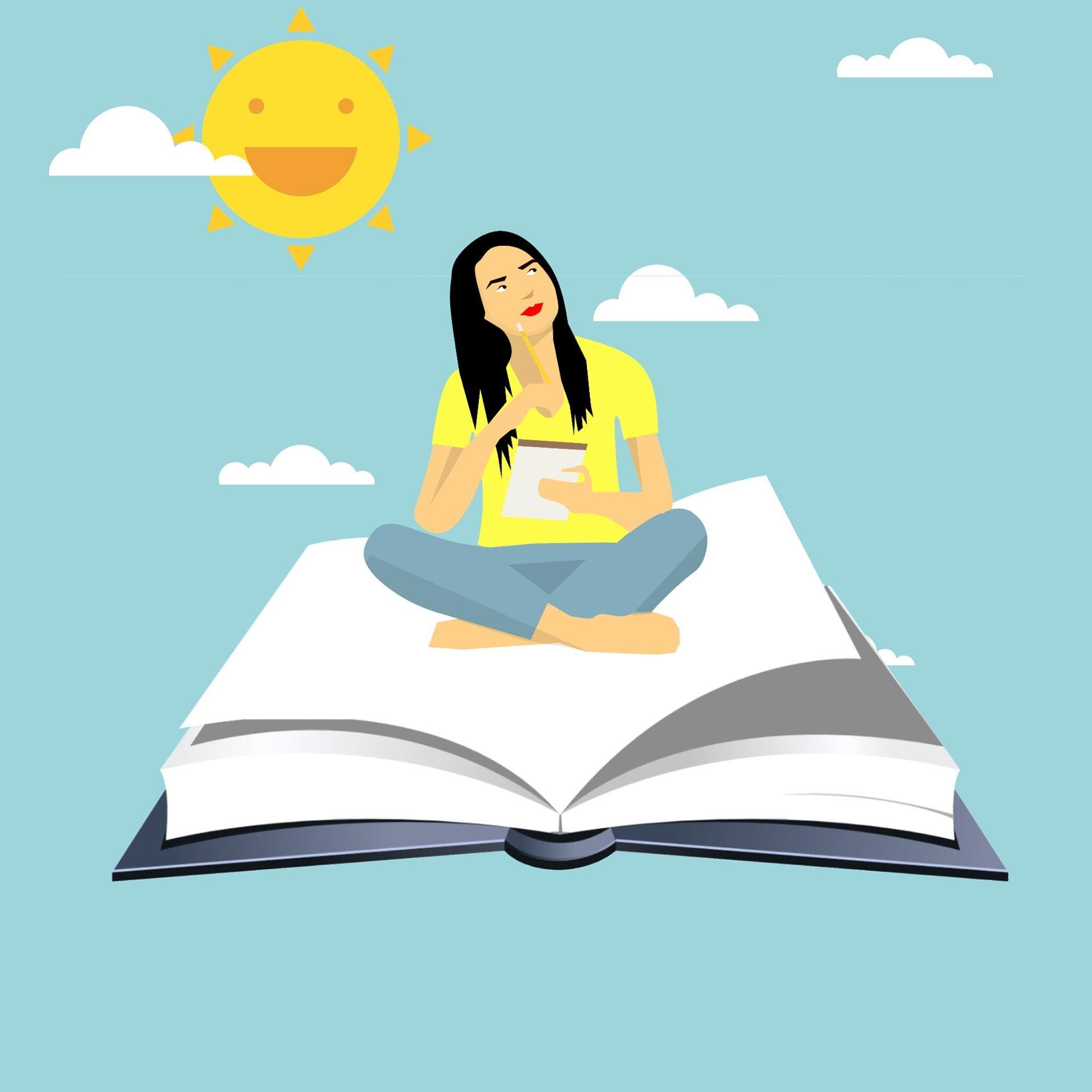 Frau, die mit einem Stift nachdenkend auf einem offenen Buch sitzt.